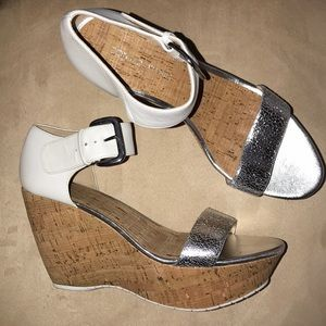 Donald J Pliner Malibu Wedges